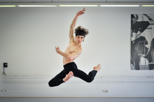 Friedemann Vogel in a rehearsal of Maurice Béjart's Bolero, photo: Roman Novitzky